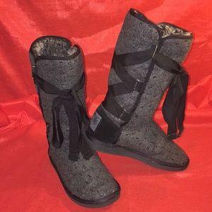 Juicy couture wool sequin felt boots